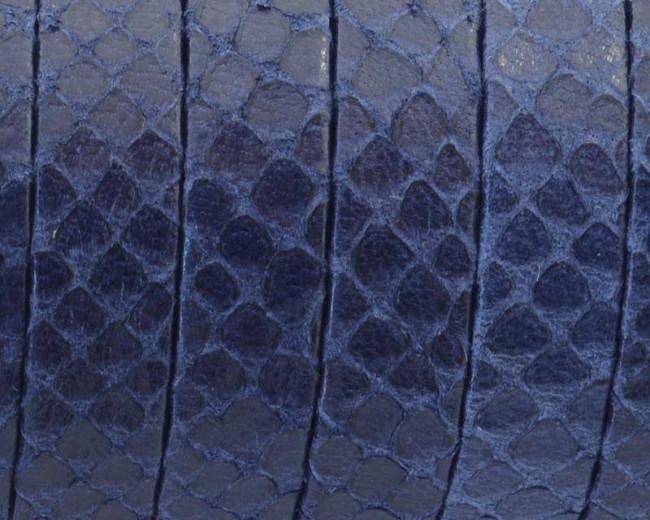 Cuero. Tira doblada. Plano 10x1,5mm. Grabado serpiente. Azul. Calidad superior