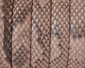 Piel de serpiente Piton. Media caña. 10x5mm. Salmon.