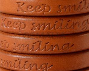 Cuero REGALIZ. Oval 10x6mm . Grabado. Keep Smiling. Camel. Calidad superior