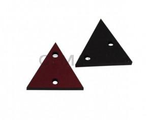 Triangulo de cuero con dos agujeros 17x15mm. Burdeos. Int.1,8mm.Calidad superior.