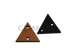 Triangulo de cuero con dos agujeros 17x15mm. Marron claro. Int.1,8mm.Calidad superior.