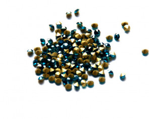 Cristal. Rhinestone Chaton. 4-4,1mm. Blue Zircon