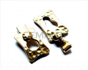 Cierre Zamak. 39x25mm/27x12mm. Oro viejo. Int.9,5x2,2mm