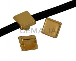 Entrepieza Zamak Cuadrado. 4,8x4,8mm. Dorado. Int.2,5x1,5mm