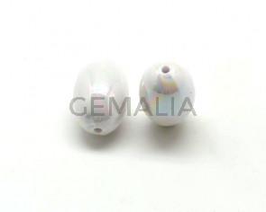 Acrilico.Oval.25x18mm.Blanco irisado.Int.2mm aprox.