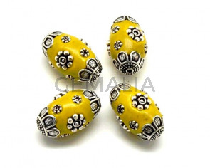 Resina/Metal. Barril. 24x14mm. Amarillo-plateado. Int.2mm aprox.