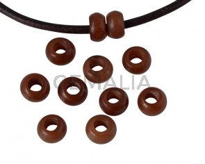 Resina. Rondel 6,5x6,5x4mm. Marron oscuro opaco. Int.3mm aprox. Calidad superior.