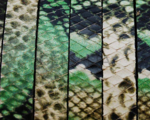 Imitation Snake skin. Flat. 10x2.5mm. Green.