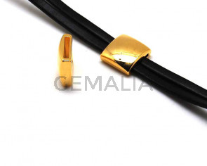 Zamak. Square. 18mm. Gold color. Inn.14x2mm.