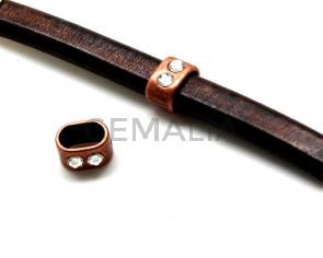 Zamak. Oval. 9x13mm. 2Strass. Antique copper. Inn.11x7mm.