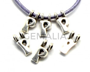 Zamak. Pendant. Letter P. Silver color. 9mm. Inn.2.2mm.