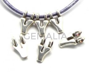 Zamak. Pendant. Letter Y. Silver color. 9mm. Inn.2.2mm.