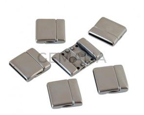 Zamak. Magnetic clasp. Flat. 22x23mm. Silver. Inn.20x2mm.