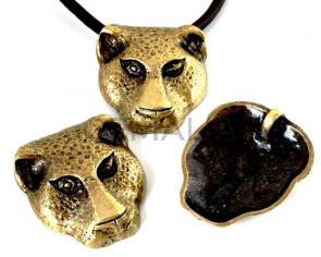 Zamak. Pendant. Panther. 44x37mm. Antique gold. Inn.4mm.