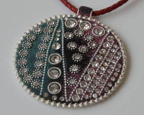 Resin/Metal/Rhinestone. Pendant.Coin.78mm.Silver-crystal.Inn.3.5mm