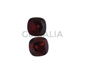 SWAROVSKI 4470-10mm. Burgundy