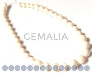 Coral. sponge, 8-16mm round. white. Sold per 16-inch strand.