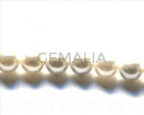 Shell pearl, 12mm round. White. Inn. 1mm. 16-inch strand.