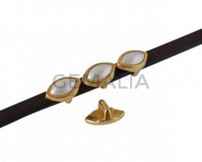 SWAROVSKI and metal slider leaf 11x7mm. Gold-White Pearl. Int.5x2.5mm