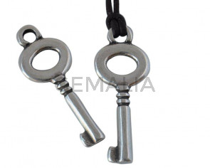 Zamak key pendant 27x12mm - Inn.2.6mm