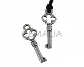 Zamak key pendant 30x11mm - Inn.2.6mm